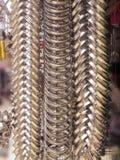 垂悬在堆的金属圆环 库存照片