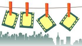 垂悬在晒衣绳的Filmstrips 免版税库存照片