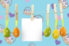 垂悬复活节彩蛋的综合图象 免版税图库摄影