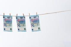 20垂悬欧元的笔记2015年 库存图片
