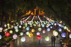 垂悬的五颜六色的气球,桂林,广西省,中国 免版税库存图片