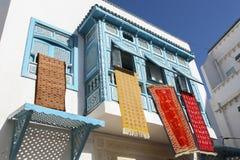 垂悬的地毯在突尼斯 免版税图库摄影