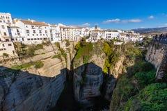 垂悬的房子在朗达,马拉加,西班牙 免版税库存图片