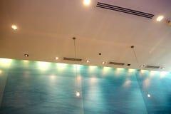 垂悬的灯和光 免版税图库摄影