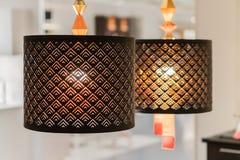 垂悬的灯装饰 葡萄酒垂悬的灯照明设备 免版税库存照片