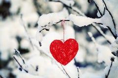 垂悬的纺织品心脏 库存图片