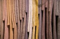 垂悬的编织毛海织物毛线衣样品 免版税库存照片