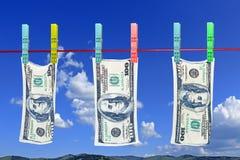 垂悬的美元烘干 免版税库存照片