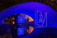 垂悬的艺术品在乔治城在晚上 免版税库存图片