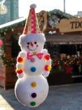 垂悬的雪人玩偶 免版税库存照片