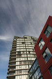 垂直块的公寓房 免版税图库摄影