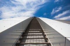垂直步骤高体育场的上升 免版税图库摄影
