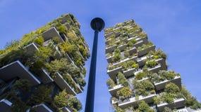 垂直的森林,米兰,波尔塔Nuova摩天大楼住所,意大利 库存照片