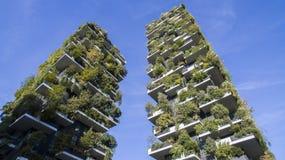 垂直的森林,米兰,波尔塔Nuova摩天大楼住所,意大利 库存图片