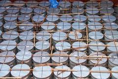 垂直的钢卷 免版税图库摄影