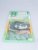垂直的澳大利亚人站起来一百美元的钞票 免版税库存图片
