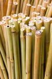 垂直竹的棍子 免版税库存图片