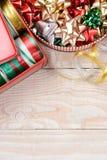 垂直罐的丝带和的弓 免版税图库摄影