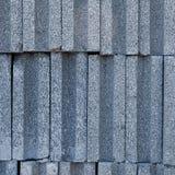 垂直被堆积的砖块 免版税库存照片