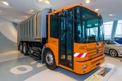 垃圾收集卡车奔驰车Econic 2628个NGT, 2005年 库存图片
