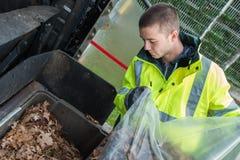 垃圾收集工清洗街道 库存图片