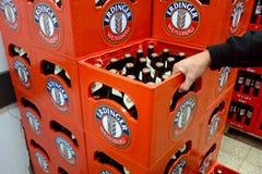 埃丁格啤酒条板箱 库存照片