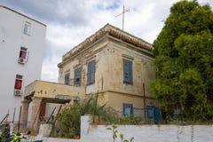 埃伊纳岛海岛的老房子 免版税图库摄影