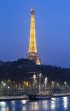 埃佛尔铁塔和古老船,巴黎,法国 免版税库存照片