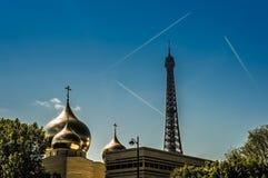 埃佛尔铁塔和教会 免版税库存照片