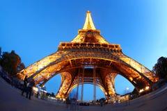 埃佛尔铁塔在晚上在巴黎,法国 库存照片