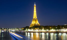 埃佛尔铁塔在晚上,巴黎,法国 免版税库存图片