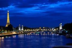 埃佛尔铁塔在晚上 免版税库存照片