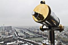 从埃佛尔铁塔的监视与背景的色那河 免版税库存照片