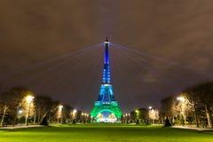 埃佛尔铁塔 发光 夜艾菲尔铁塔 巴黎 晚上巴黎 免版税库存照片