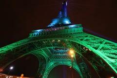 埃佛尔铁塔 发光 夜艾菲尔铁塔 巴黎 晚上巴黎 免版税图库摄影