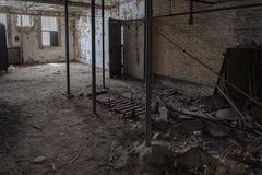 埃利斯岛被放弃的精神病院内部房间 库存图片