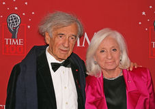 埃利・维瑟尔和妻子马里魏塞尔 库存照片