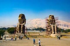 埃及卢克索 2017年2月19日:两个memnon巨人的看法 免版税库存图片
