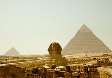 埃及吉萨棉金字塔狮身人面象 库存图片