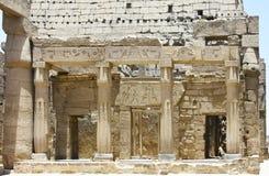 埃及寺庙卢克索,一座建筑纪念碑,一个古老大厦古迹  免版税库存照片