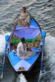埃及小船推销员 免版税图库摄影