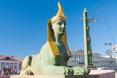 埃及桥梁狮身人面象在Fontanka河,圣彼德堡,俄罗斯的 免版税库存图片