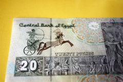 20埃及磅钞票大前车架 默罕默德阿里清真寺在开罗,在第一个法老王后Sesotris的绘画, 免版税库存图片
