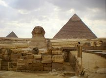 埃及,伟大的金字塔伟大的狮身人面象吉萨棉 库存照片