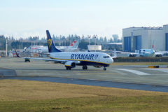 埃弗里特,华盛顿,美国- 2017年1月26日, :全新的瑞安航空公司波音737-800下个Gen MSN 44766,注册EI-FTP 免版税库存照片