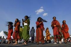 埃德蒙顿,加拿大8月6日2018年:舞蹈家在厄立特里亚和埃塞俄比亚亭子执行在埃德蒙顿` s遗产节日 库存图片
