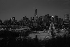 埃德蒙顿,阿尔伯塔,加拿大黑白都市风景  库存照片