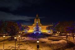 埃德蒙顿-立法机关大厦在冷的冬天夜 免版税库存照片