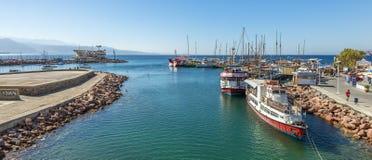 埃拉特,以色列2018年3月17日:在中央小游艇船坞的早晨在埃拉特,以色列 免版税图库摄影