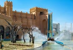 埃拉特,以色列- 2012年11月02日:落的小船在娱乐中心在埃拉特,以色列 免版税图库摄影